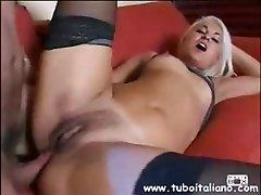 Chiara  Blonde Giovane e Porca ITA